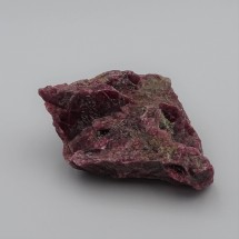 Rhodonite 105,9g raw mineral Brazil
