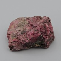 Rhodonite 135g raw mineral Brazil
