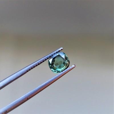 Alexandrit - 1,06 ct. Alexandrit patří mezi nejcennější drahokamy a je nejvzácnější varietou minerálu chryzoberylu.
