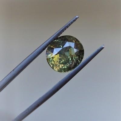 Alexandrit - 4,57 ct. Alexandrit patří mezi nejcennější drahokamy a je nejvzácnější varietou minerálu chryzoberylu.