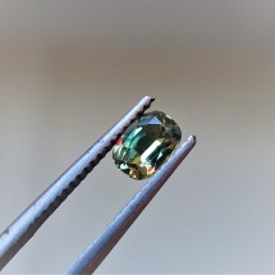 Alexandrit - 0,63 ct. Alexandrit patří mezi nejcennější drahokamy a je nejvzácnější varietou minerálu chryzoberylu.