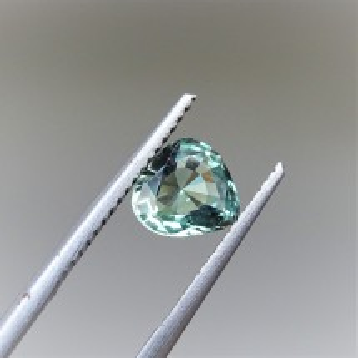 Alexandrit - 1,11 ct - TOP!. Alexandrit patří mezi nejcennější drahokamy a je nejvzácnější varietou minerálu chryzoberylu.