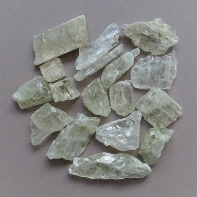 Hiddenite (green kunzite)