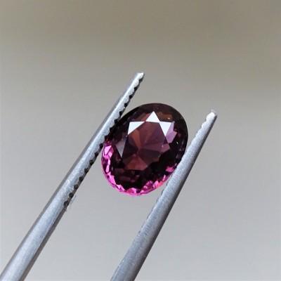 Garnet - RHODOLITE - 1,69 ct
