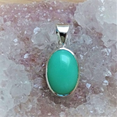 Chrysoprase pendant top quality