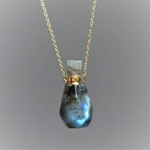 Aroma diffuser - crystal parfum bottle - necklace made of labradorite